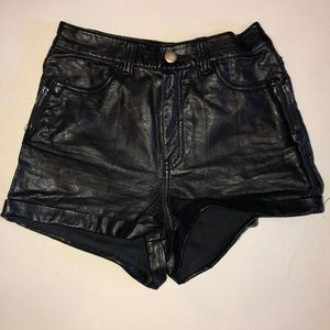 Faux leather shorts H&M divided women's size 2